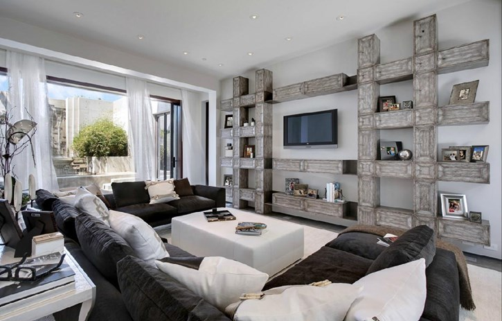 Oversized Room And Oversized Home Decor