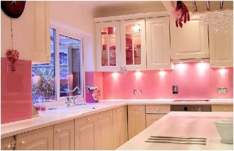 pink-decor-kitchen